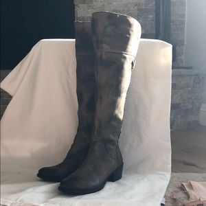 Great condition Vince Camino studded boots